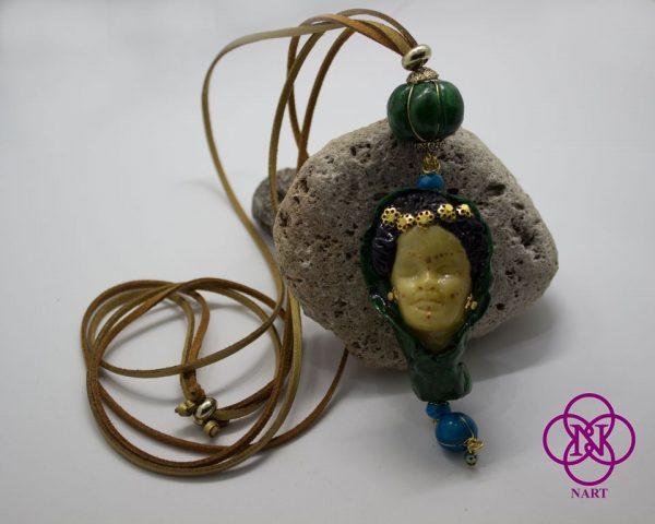 Collar Rostro Coleccion Mujeres del Mundo Turca verde 3